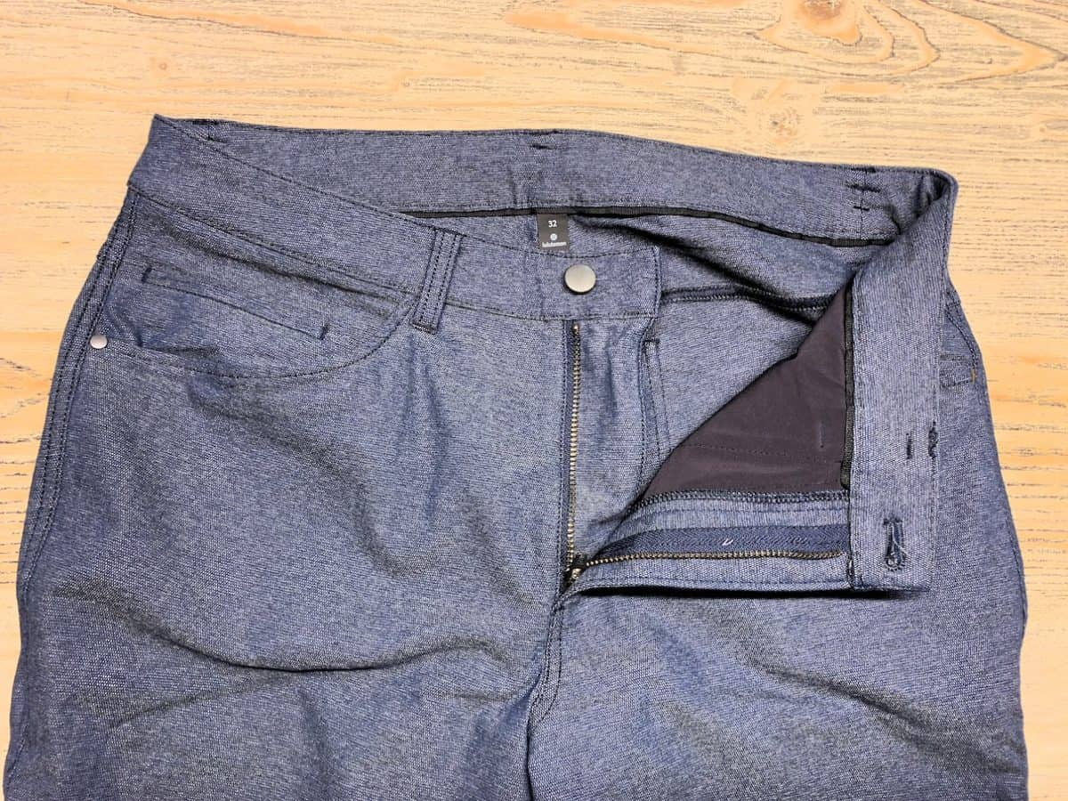 """Lululemon """"Jeans"""" are Here: Lululemon Tech Canvas Review 1"""
